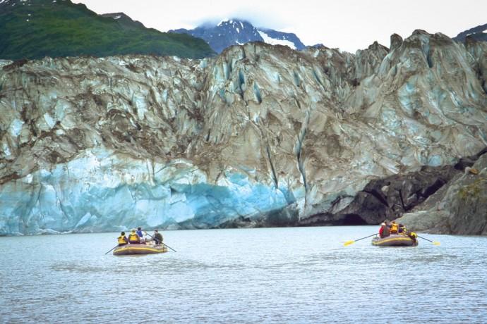 raft-the-tatshenshini-river-route-mountain-travel-sobek