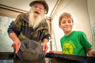 Hope gold panning tours MG 7552 Copyright Alaska Channel