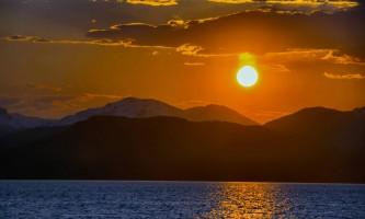 Alaska_Adventure_Sailing-Midnight_Sun-nzq7qv