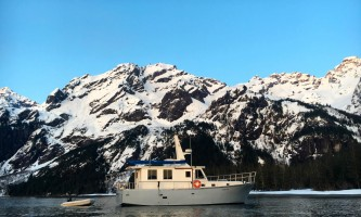 Alpenglow-charters-April_Thumb_Cove_1-p8hncr