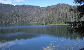 China-Poot-Lake-Trail-01-mxq4wf