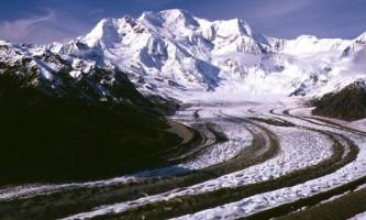 Kennicott-Glacier-Toe-Trail-01-mvi5fz