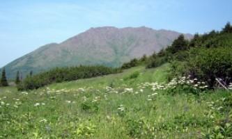 Williwaw-Lakes-Trail-01-mvi4u7