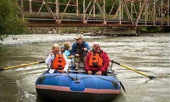 Chilkat_Bald_Eagle_Preserve-Raft_Porcupine_Bridge-o4z8x4