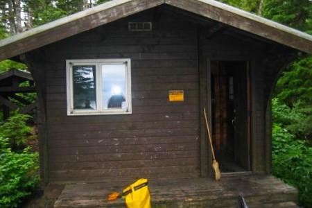 Paulson Bay Cabin