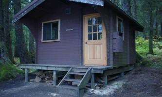 Young lake north cabin 02 mqidzp