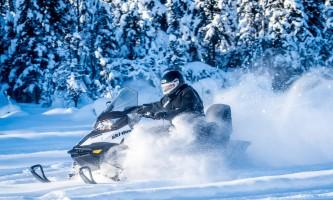 Snowmobiling powder flying p5hybv