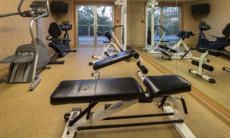 2016-Comfort_Inn_Suites_Anch_AK_fitness1_10_2014-o5hgn3