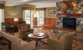 Holiday_Inn_Express_Anchorage-HIE_Lobby_281129-nj9w18