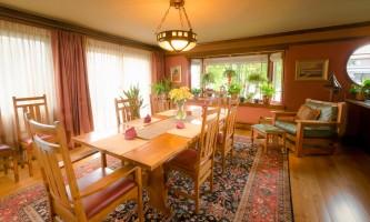 Parkside-Guest-House-05-mw4cxe