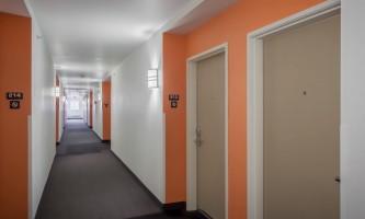 2017-Guest_Room_Hallway-oyeeci
