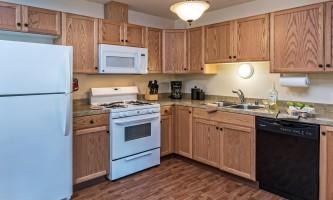 2018-Denali_kitchen_raw_delete_props-pfx9m0