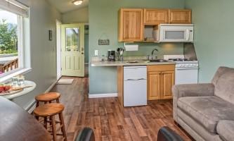 2018-Cottage_living_kitchen_door_raw-pfx9ne