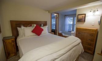 Beachside-villa-grand-suite-7H0A5133_v1_current-paoura