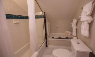 Villa-king-room-7H0A5085_28129_v1_current-paousz