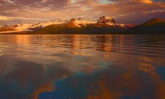 Geographic-marine-expeditions-Hallo_Bay_Sunrise_2-p4mkis