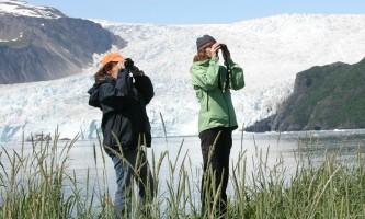Alaska-Coast-To-Denali-Journey-39-Wildlife_Viewing_at_Kenai_Fjords_Glacier_Lodge-pdvti4