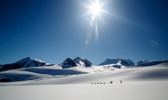 Alaska helicopter tours dog sledding C Jeff Schultz Schultz Photo com 4