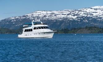 Alaskan luxury cruises Seamistfrontquarter