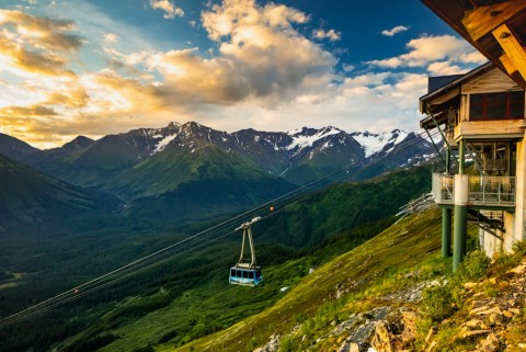 Your dining experience begins with a stunning tram ride up Mount Alyeska