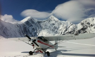 Golden eagle outfitters flightseeing air taxi Trident glacier2019