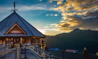 RKP Alyeska summer socialdistance 5 alaska hotel alyeska girdwood bore tide deli
