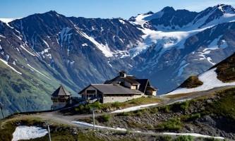 RKP Fromthe Air N polished2018 6 alaska hotel alyeska girdwood seve glacier restaurant