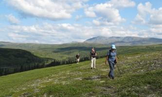 Caribou lodge3 hiking