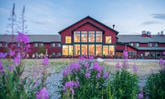 DR 2018 copper princess 03 exterior windows alaska copper river princess wilderness lodge