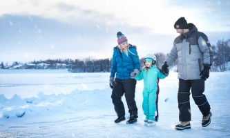 Big rays Family Skating in KAVIK and Activ8 JON TAYLOR