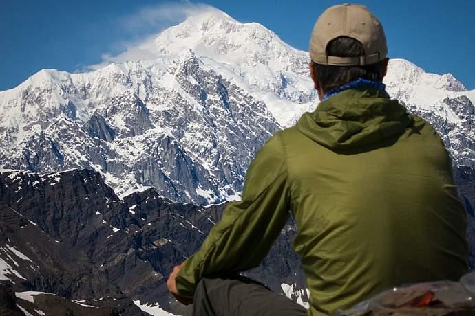 camp-at-backside-glacier-lake-in-denali-national-park-alaska-alpine-adventures