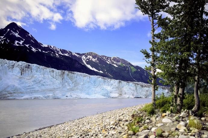 childs-glacier-near-cordova