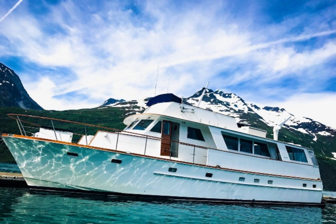 charter-a-small-ship-cruise-or-yacht-northern-explorer-adventures