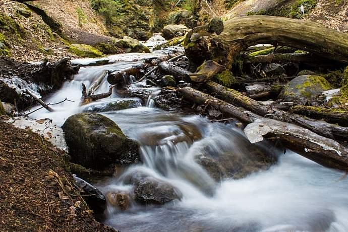 mchugh-creek-falls-lily-jager