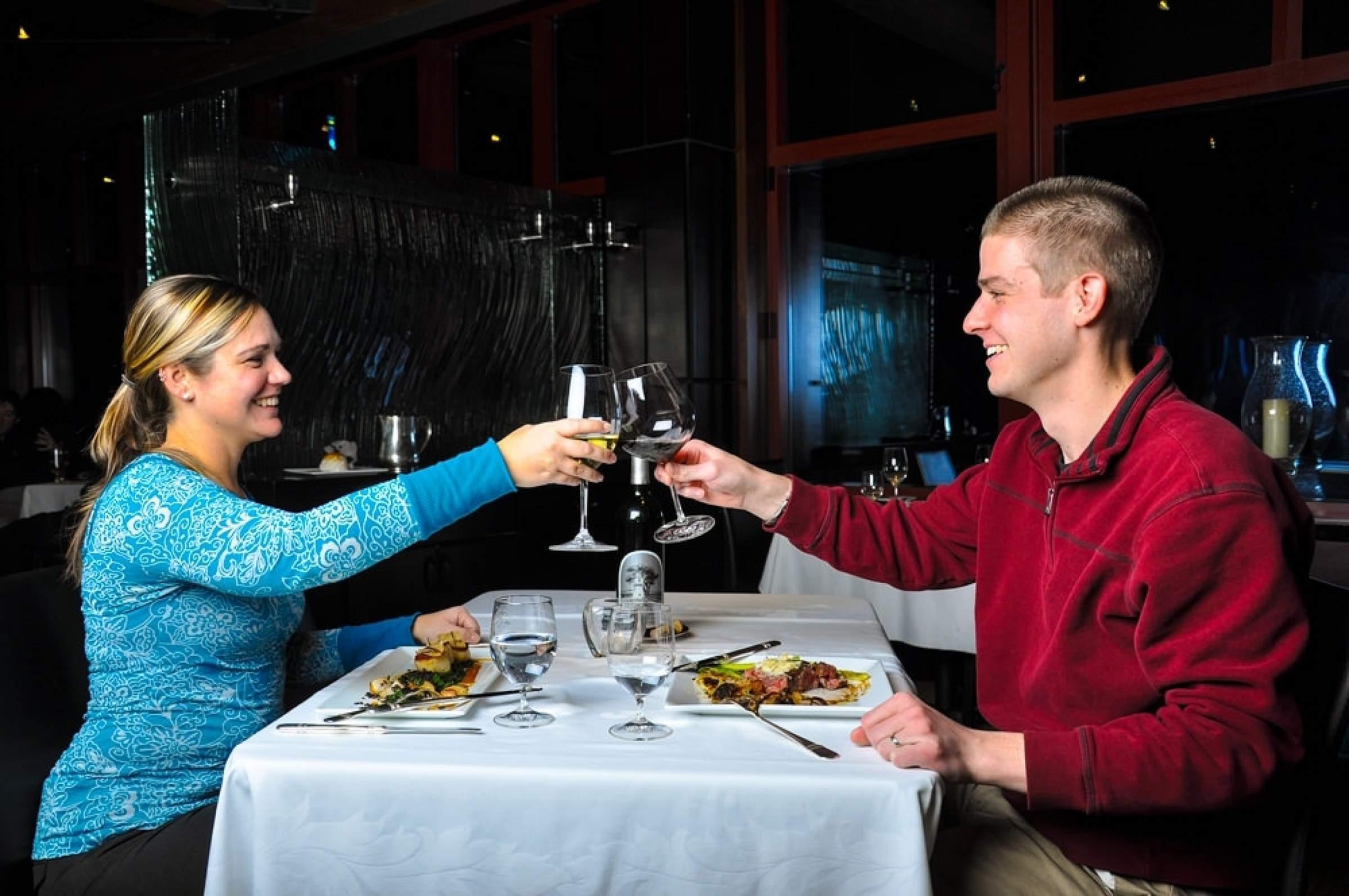 Plan the perfect honeymoon in Alaska