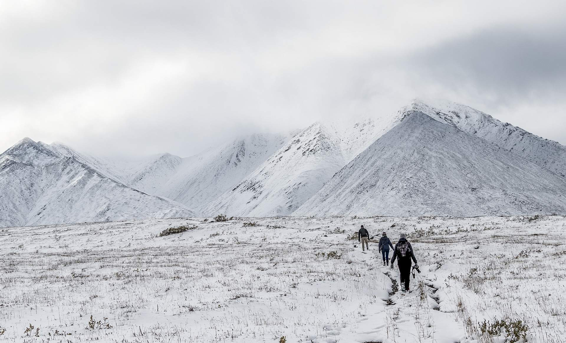 Alexyn and friends hike into Gates of the Arctic National Park from Anaktuvuk Pass