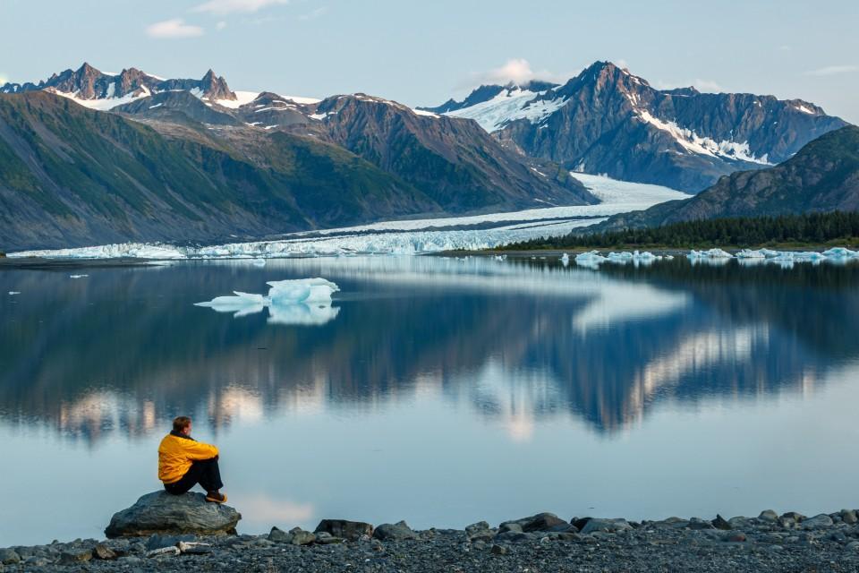 Jeff Schultz Kayaking Bear Glacier 190729 1 X3098 Edit