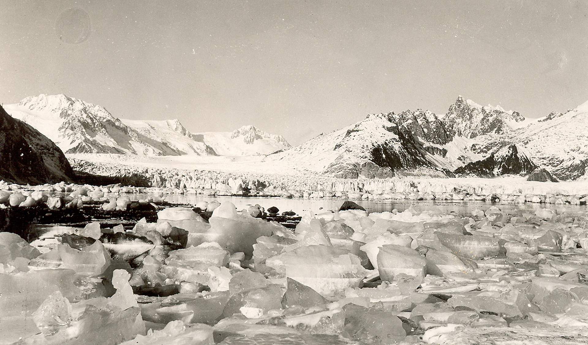 Bruce Molnia Glacier Photos Northwestern Glacier View3 1940
