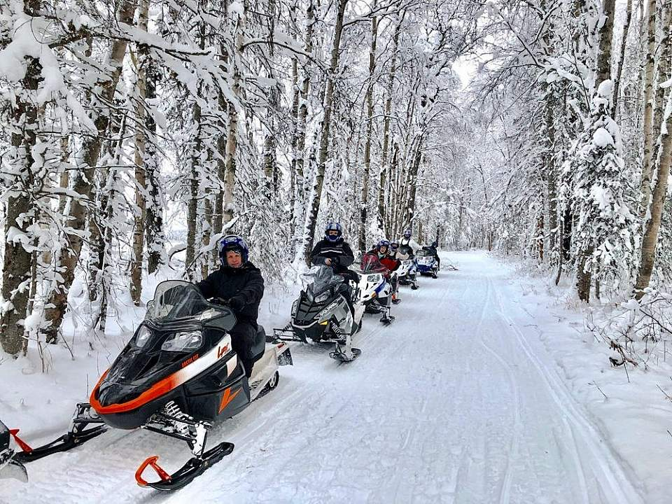 Guests adventure through a winter wonderland with Snowhook Adventure Guides