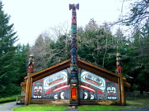 A totem pole at Totem Bight State Park