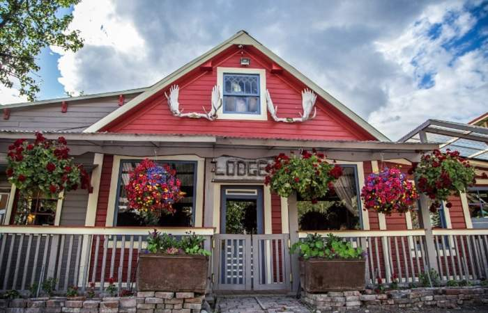 Hotels and lodges in wrangell st elias national park Mc Carthy 2 AK 800x533