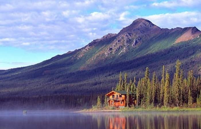 Gates of the arctic wilderness lodges iniakuklodge128 John Gaedeke