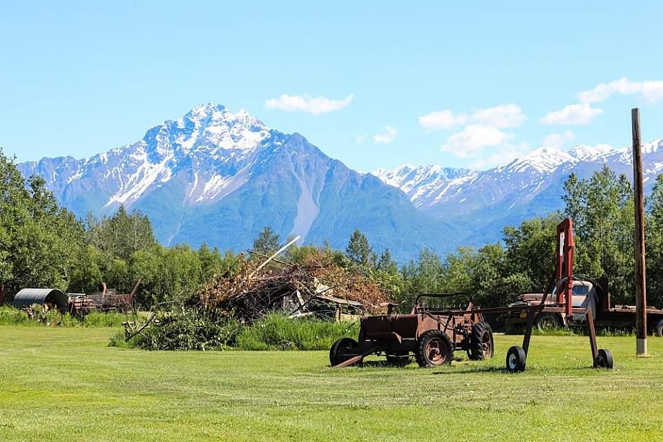 Palmer wasilla pioneer peak