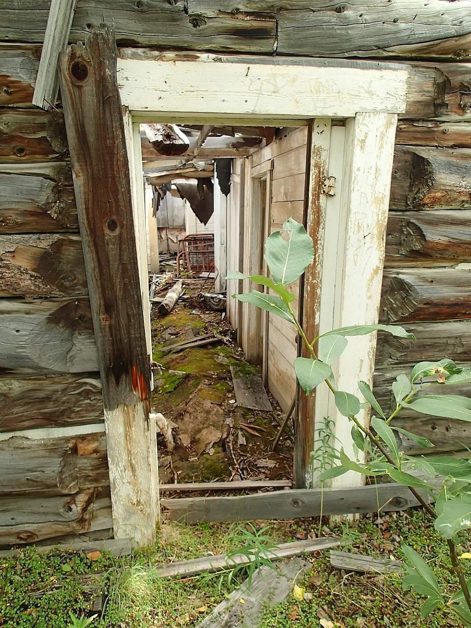 MILE 0 Pioneer Paxson Lodge 1