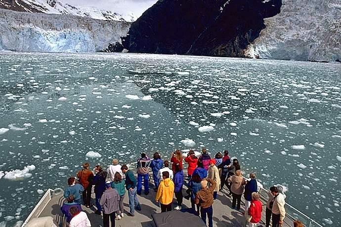 26 Glacier Cruise 01 mwn1xk