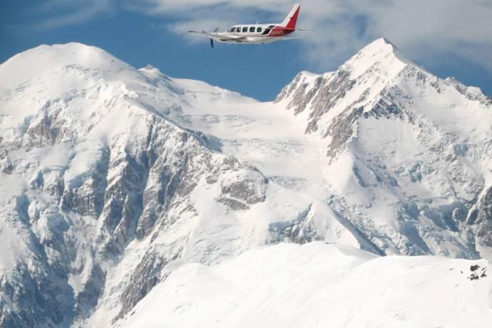 Denali Air plane above denali pcfwfw