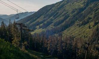 Eagle-crest-ski-area EC_Summer Hike_v_1_looking_at_the_Black_Bear_Chair_Jeremy_Lavender-os7wi7