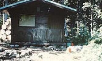 Laughton glacier cabin 03 muix23