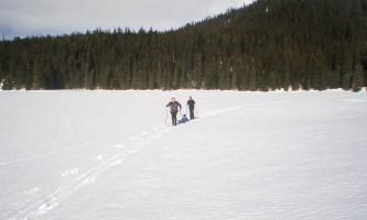 Bear lake cross country skiing 01 mz5q5g