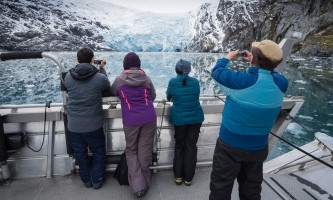 Lazy otter charters people deck glacier pg2xaf